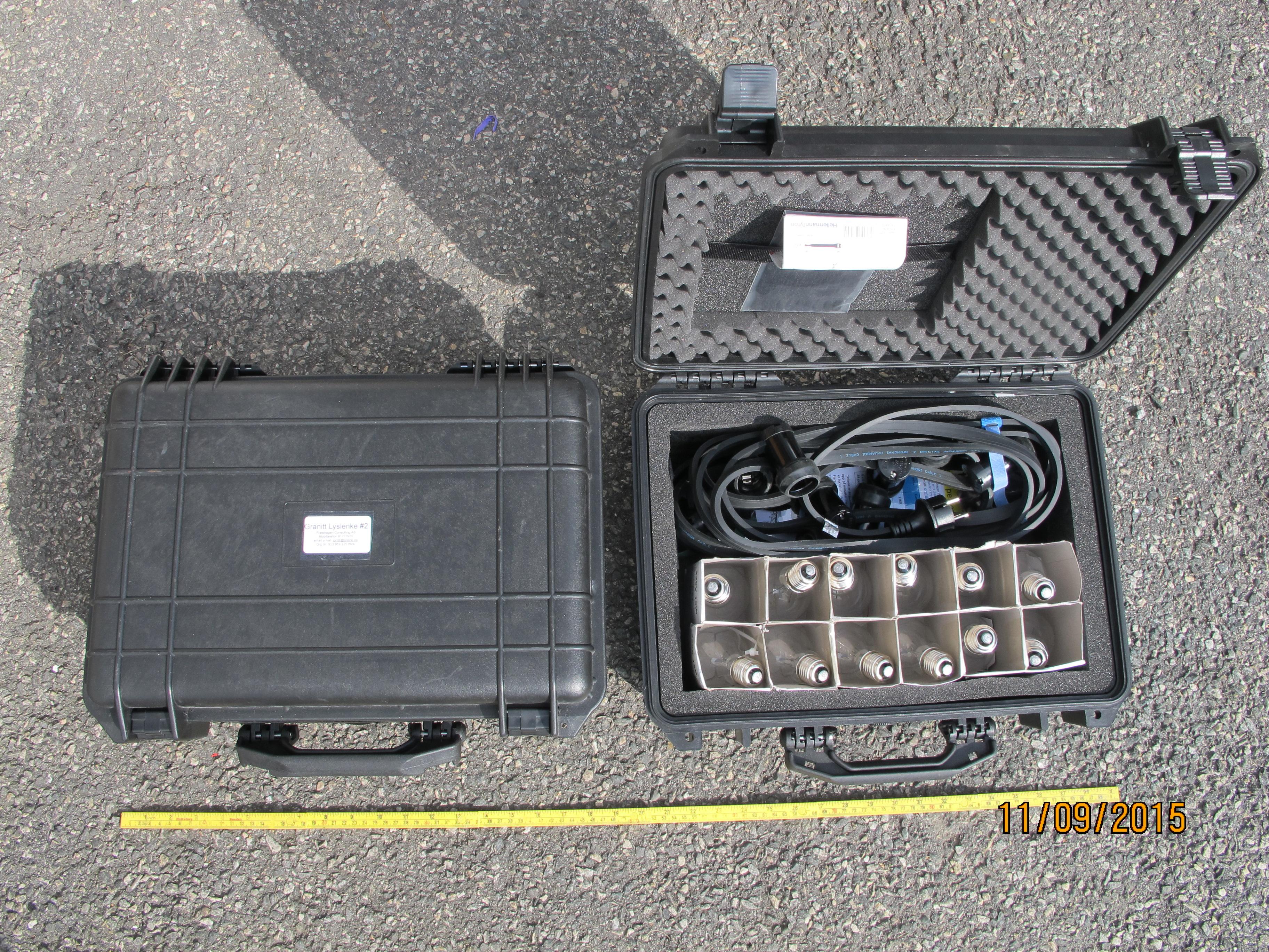 koffert med lyslenke og pærer. 10 pærer på 5 meter og 5 meter ekstra ledning.